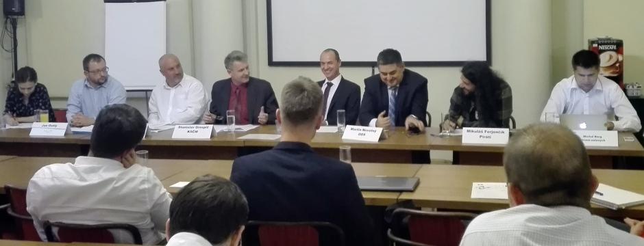Debata financování stran